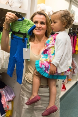 Mother-ToddlerDaughter-Shopping